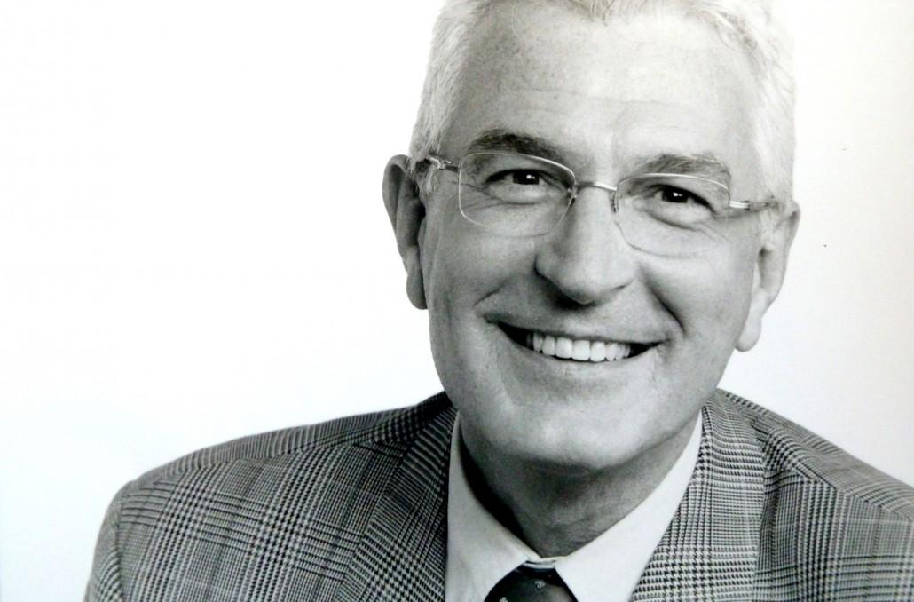 Dr. Frank Gliese